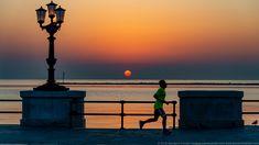 Il lungomare di Bari ed i suoi runner Bari, Runner, Travel, Italy, Viajes, Traveling, Trips, Tourism