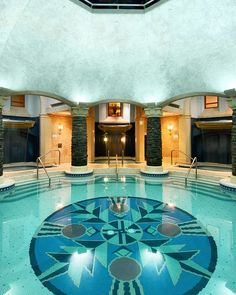 """""""How beautiful is this spa!? Visit @fairmontbanff for a relaxing spa day before the holiday chaos begins❄️❄️❄️ #hotsprings #spa #getaway…"""""""