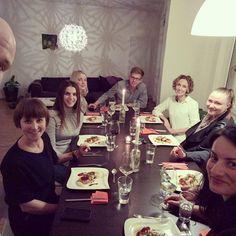 tuesday, 8pm, new faces — social dining auf den Punkt gebracht  Großer Dank für den gelungenen Abend, liebe Leute! #neuinhamburg #socialdining #chefone #sweetandsaltybymarc #dinnerwithstrangers #yummies #foodilicious #greatpeople