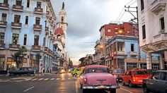 U.S. hotel chain executives meet with Cuban officials https://cubaholidays.co.uk/news/114142/us-hotel-chain-executives-meet-with-cuban-officials Major U.S. hotel chains are moving forward in their efforts to develop properties in Cuba, after executives held recent talks with Cuba officials. Since Washington loosened its ties on the operations of U.S firms operating on the island, Marriott International, Hilton Worldwide, and Carlson Hospitality have held talks...