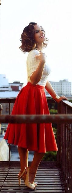 60s Style: High waist red skirt and pumps