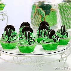 Give everyone something to feel lucky about! To make these Minty St. Pat's Cupcakes just add a little peppermint extract to your chocolate cupcake mix, then bake and decorate with green icing. Top with a mint filled chocolate cookie to finish!