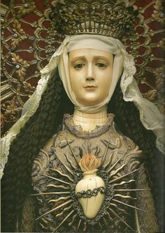 Purisimo Corazon de Maria / The Immaculate Heart of Mary Attributed to Leoncio Asuncion y Molo FILIPINO Ivory head, hands and heart mounted on wooden mannequin body. Sumptuous metal gold thread embroided vestments H: 113 cm or 51 in. Madonna, Blessed Mother Mary, Blessed Virgin Mary, Religious Icons, Religious Art, Memento Mori, Jesus E Maria, Religion, Queen Of Heaven