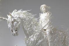 Motohiko Odani (Photograph by: Keizo Kioku) - Paper Art