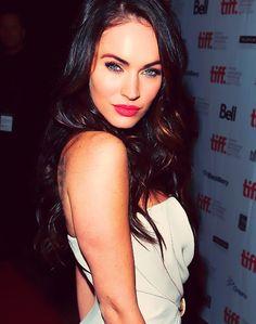 <3 Megan Fox and her makeup