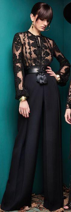 Gli Arcani Supremi (Vox clamantis in deserto - Gothian): Romantic resort and Couture Croisiere 2019 All Black Fashion, Look Fashion, High Fashion, Fashion Show, Autumn Fashion, Fashion Outfits, Womens Fashion, Fashion Design, Dinner Gowns