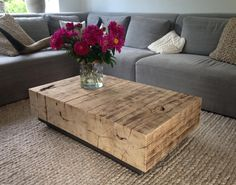 Oud eiken balken van Frank Pouwer Hout Wood Deco, Decor, Rustic Furniture, Cofee Table, Coffee Table Wood, Backyard Diy Projects, Home Decor, Coffee Table, Indoor Furniture