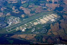 Diverted here in the after IRA sent mortar rounds into Heathrow while we were on approach. London Airports, Civil Aviation, Aircraft Pictures, Aerial View, Urban Design, Airplanes, Philippines, United Kingdom, City Photo