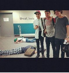 <3 Ever noticed how Niall and Louis are nap buddies? So many pics where they are both asleep while everyone else is awake!