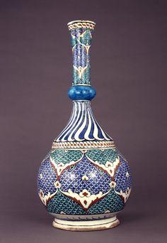 flask; Ottoman dynasty; 16thC; Iznik