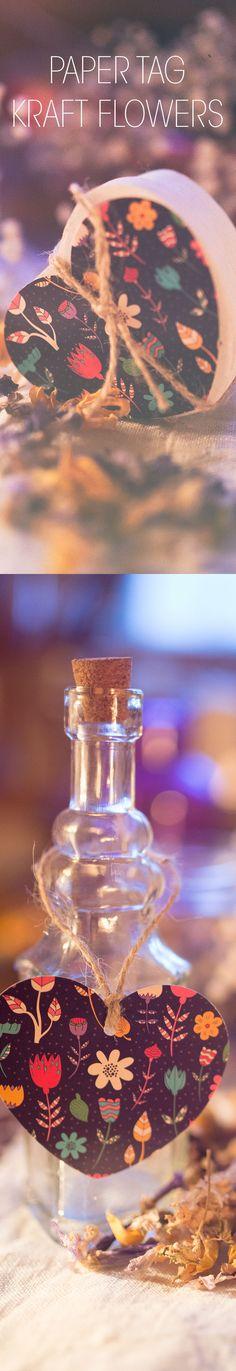 Romantici e trendy. i tag in carta Kraft a forma di cuore sono perfetti per confezioni regalo di San Valentino e non solo. Grazie al retro bianco puoi accompagnare i tuoi regali con dolci messaggi. sostituendo il classico biglietto. I tag sono dotati anche di comodi cordini in juta.