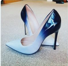 48 Classy Shoes That Will Make You Look Fantastic Shoes heels classy 48 Classy Shoes That Will Make You Look Fantastic - Shoes Market Experts Source by shoes Low Heel Sandals, Pump Shoes, Shoe Boots, Low Heels, Suede Sandals, Shoes High Heels, High Heels Outfit, White High Heels, Women's Shoes