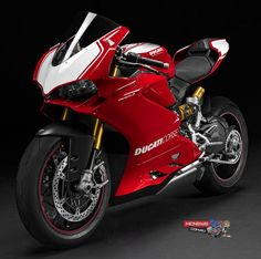 For 2015 Ducati have increased the capacity of the Panigale to 1285cc to produce the 1299 Panigale and 1299 Panigale S while the top rung Panigale R maintains its 1198cc capacity to maintain homologation for Superbike competition. All three versions are claimed to produce 205hp and the base Panigale 1299 utilises Marzocchi forks and Sachs shock while the Panigale 1299S scores semi-active Ohlins kit front and rear. The 1299 Panigale and Panigale S produce 10 per cent more torque than the 1199…