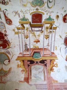"Wall frieze in the ""Jupiter"" room - Torrechiara castle. 44°39′20″N 10°16′25″E"