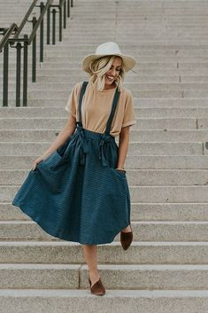 Weekend in Pictures – Easter Gold Sand Velvet Top Old Dress, Dress Skirt, Sweater Skirt Outfit, Summer Outfits, Casual Outfits, Cute Outfits, Holiday Outfits, Modest Fashion, Fashion Outfits