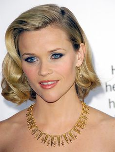 Reese Witherspoon is pretty no matter what her hair looks like!
