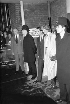 1983-12-19 Diana and Charles leave Westminster Hospital in London after visiting patients injured in the Harrods car bomb attack