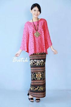 Batik Blazer, Blouse Batik, Batik Dress, Kebaya Dress, Batik Kebaya, Muslim Fashion, Hijab Fashion, Fashion Outfits, Modern Kebaya