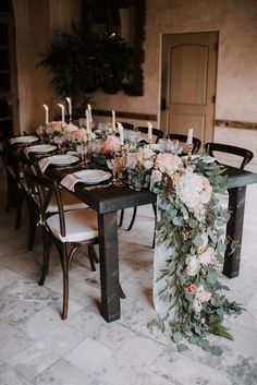At the Royal Palms Resort in Arizona, Alyssa Ryan Photography documented the gorgeous details from this styled shoot that took place in a garden setting.