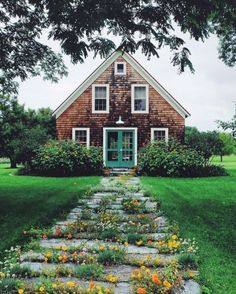 34 Trendy Home Exterior Ideas Shutters Curb Appeal Sweet Home, House Goals, Cozy House, Cozy Cottage, Brick Cottage, Cottage Door, Coastal Cottage, Style At Home, Curb Appeal