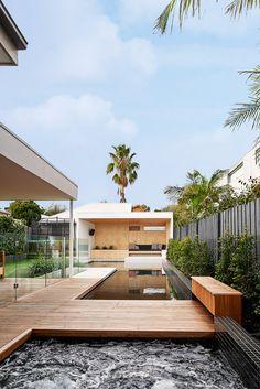 Brighton Bunker – Outdoor Living Space by Dan Gayfer Design