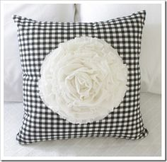 DIY dahlia pillow
