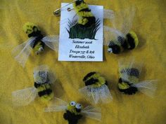 """Bees - """"Bee a sister to every Girl Scout"""". would be easy enough for our little girls to make"""