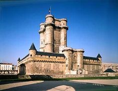 Chateau de Vincennes, Paris  what a wonderful place...it even has a mini Cathedral on the grounds. This is a view of the dungeon
