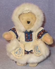 *1990 Muffy Vanderbear of the North Stuffed Bear with Mits and Tag