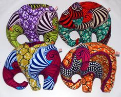 Diy Craft Projects, Fun Crafts, African Art Projects, Drawstring Bag Pattern, African Accessories, African Masks, How To Make Shoes, Mug Rugs, Kids Toys