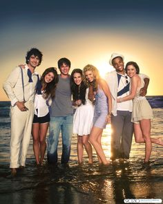 90210 - Only my favorite show with my favorite cast.