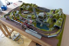 Track Layout Ideas for Your Model Train N Scale Train Layout, Model Train Layouts, N Scale Model Trains, Scale Models, Classic Toys, Projects To Try, Image, Garden Train, Diorama