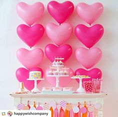 🌟Tante S!fr@ loves this📌🌟 love the heart balloons for a valentines party Valentinstag Party, Party Kulissen, Party Time, Party Ideas, Pink Parties, Birthday Parties, Heart Party, Valentine's Day Quotes, Backdrops For Parties