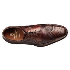 Leiden Weave Wingtip Blucher by Allen Edmonds - Elegante Schuhe Black Leather Espadrilles, Black Leather Shoes, Leather Men, Formal Shoes, Casual Shoes, Gents Shoes, Shoes Men, Gentleman Shoes, Fashion Shoes