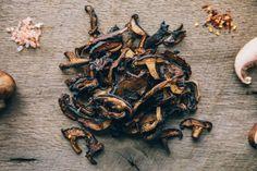Mushroom Jerky Recipe, Mushroom Recipes, Jerky Dehydrator, Dehydrator Recipes, Stuffed Portabello Mushrooms, Grilled Mushrooms, Jerky Recipes, Vegan Recipes, Vegan Food