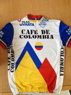 Cafe de Colombia shirt uit de jaren '80. Onder andere Luis Herrera (Lucho) reed in deze ploeg. Hij won in alle 3 de grote rondes het bergklassement. #retro #cycling # shirt