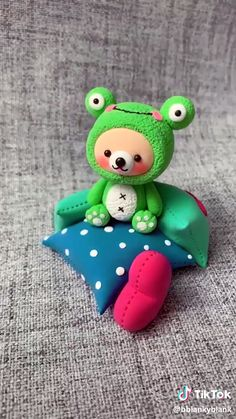 The Effective Pictures We Offer You About 3 ingredient biscuits A quality picture can tell you many things. Polymer Clay Kawaii, Polymer Clay Charms, Polymer Clay Projects, Polymer Clay Creations, Diy Clay, Polymer Clay Art, Clay Crafts, Polymer Clay Figures, Polymer Clay Animals