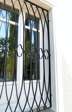 Grille de défense pour fenêtre, Garonne, l.95 x H.90 cm