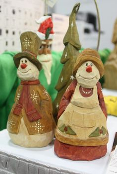 Snowman and snow-woman carving by Dennis Bixby @Woodcraft #Woodcarving #snowman