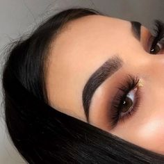 In 5 steps to the perfect Smokey Eye Makeup - augen make up - Beauty Makeup Trends, Makeup Hacks, Makeup Inspo, Makeup Inspiration, Makeup Goals, Makeup Ideas, Makeup List, Makeup Geek, Makeup Remover