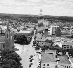 Centro de Londrina - antiga catedral e prédio do relógio
