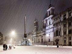 珍しい猛吹雪に襲わわれたローマの雪(ナヴォーナ広場)