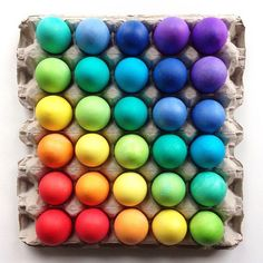 ^= ❤ Here's a beautiful egg photo from I had a crunched-up egg photo ready for April Fools but forgot to post it. Rainbow Food, Taste The Rainbow, Over The Rainbow, Rainbow Treats, Rainbow Things, Rainbow Stuff, Satisfying Pictures, Things Organized Neatly, Isaac Newton