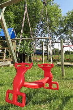 Spielhaus Und Spielturm Mit Rutsche Und Kletternetz | Stelzenhaus ... Spielhaus Im Garten Verspricht Abenteuer Pur Im Eigenen Hinterhof