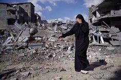 Il ne reste plus rien... Plus rien de sa vie... Sa maison, ses biens... Tout a été détruit...  #Gaza #israël