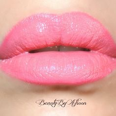 .@beautybyafsoon My favourite coral/pink lipstick  S.O.S. Pink!