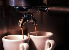 There is an art to preparing the perfect espresso drink, but it doesn't have to be a foreign process. Get tips for making lattes like a seasoned barista. Italian Espresso, Best Espresso, Espresso Coffee, Black Coffee, Coffee K Cups, Coffee Beans, Drip Coffee, Coffee Time, Espresso Drinks