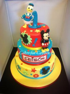Disney Cake with Mickey Mouse and Donald Duck models - by Nichola @ CakesDecor.com - cake decorating website