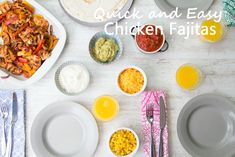 Chicken fajitas are a super simple way to involve kids in the kitchen! If your little ones are anything like mine, they will be excited by the fact that can make up their own wrap, and you can even allow them some say in their dinner by encouraging them to pick their own toppings from bowls on the table. Easy Family Meals, Family Recipes, Quick Easy Meals, Easy Chicken Fajitas, Baby Weaning, Super Simple, Finger Foods, Bowls, Dinners