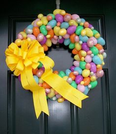 15 Ways to Deck Out Your Door for Easter | PicturesCrafts.com